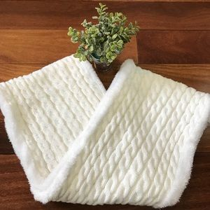 Accessories - Women's Circle Knit Cowl Thick White Scarf 🎀